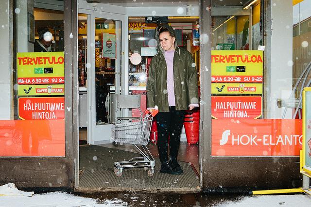Kansallisteatteri: Homoäiti. Kuva: Mitro Härkonen.